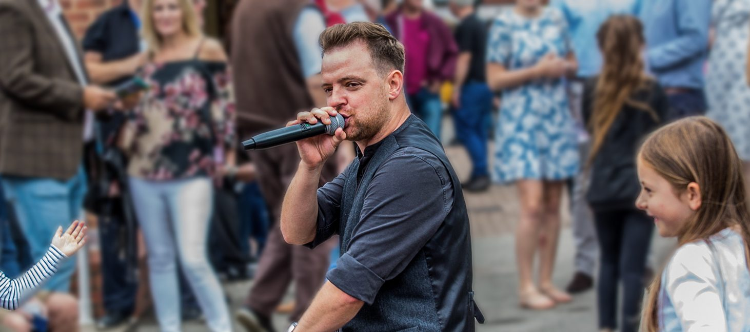 Tribute-Bands-Family-Raceday-Main-Image-1800x650px